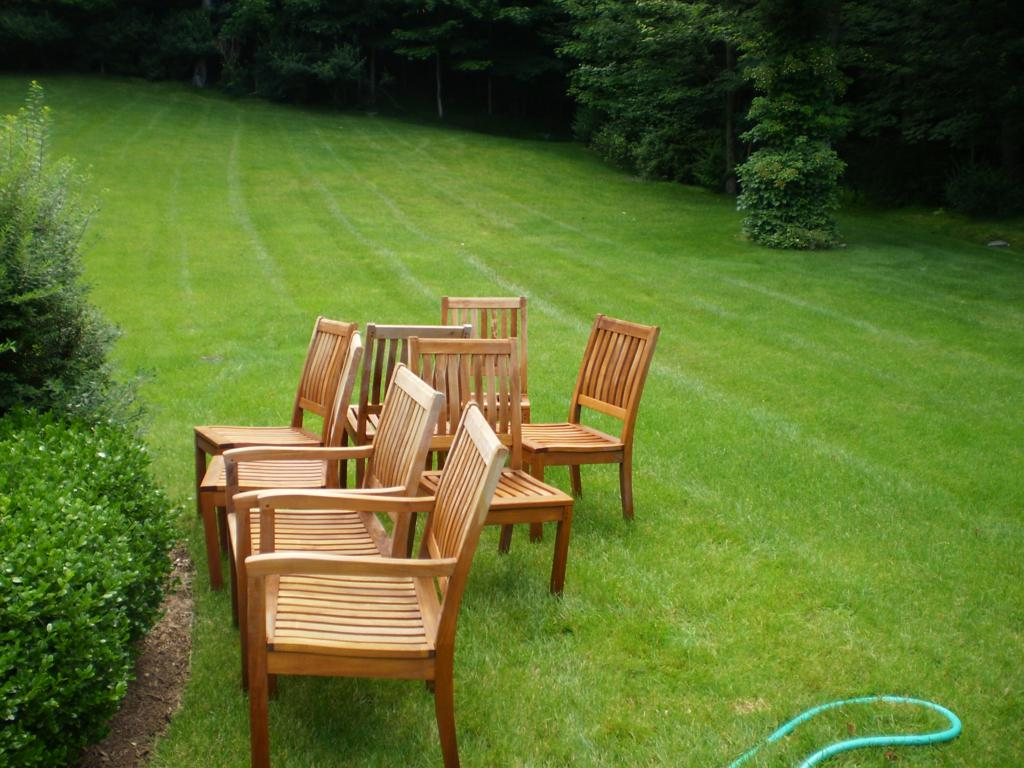 Pressure cleaning outdoor furniture westchester power Outdoor wood furniture stain